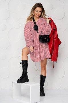 Piros hétköznapi rövid bő szabású ruha v-dekoltázzsal rugalmatlan pamutból