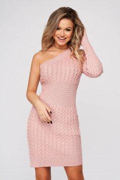 Púder rózsaszínű hétköznapi rövid váll nélküli ruha kötött anyagból