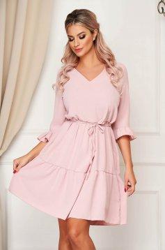 Világos rózsaszínű StarShinerS hétköznapi bő szabású ruha v-dekoltázzsal