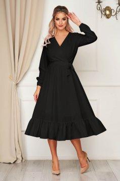 StarShinerS fekete elegáns midi ruha gumírozott derekú övvel ellátva