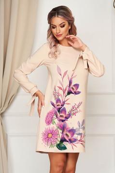 Krémszínű StarShinerS virágmintás elegáns rövid ruha szövetből