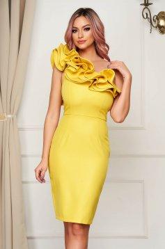 Sárga egy vállas fodros rövid alkalmi ceruza ruha