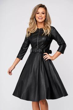 Fekete hétköznapi harang ruha műbőrből háromnegyedes ujjakkal