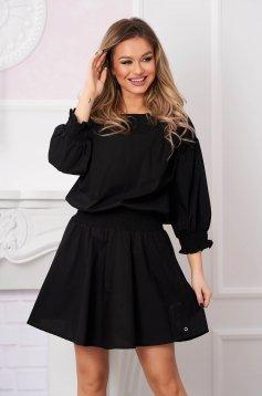 Fekete casual rövid harang ruha hosszú ujjakkal