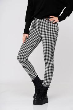 Fekete casual kónikus nadrág enyhén rugalmas anyagból középmagas derekú
