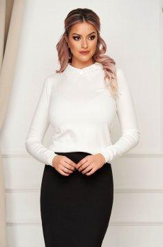 Fehér elegáns rövid szűk szabású kötött pulóver gallérral