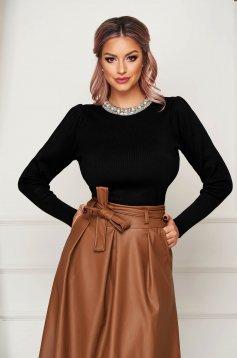 Fekete elegáns kötött szűk szabású pulóver