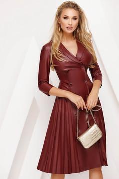 Burgundy hétköznapi midi harang ruha műbőrből rakott, pliszírozott szoknyával