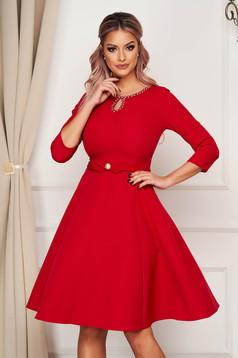 Piros midi elegáns harang ruha szövetből strassz köves díszítéssel