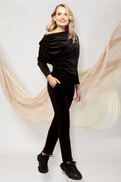 Fekete egy vállas kétrészes nadrágos casual sportos szett bársonyból
