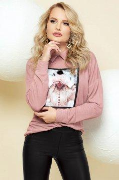 Púder rózsaszínű elegáns galléros bő szabású kötött pulóver