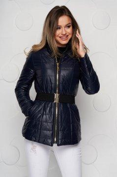 Sötétkék vízlepergető anyagból készült magas nyakú zsebes casual dzseki