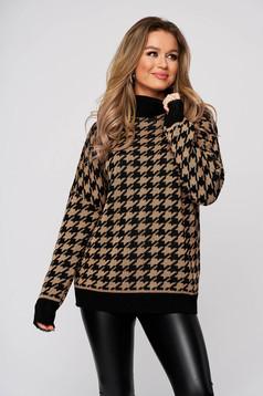 Barna dogtooth mintás magas nyakú bő szabású kötött pulóver rugalmas anyagból