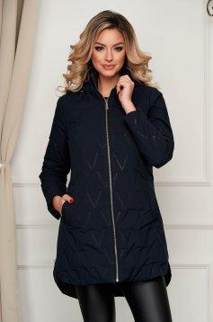 Sötétkék asszimmetrikus vízlepergető dzseki kapucnis és zsebes felső