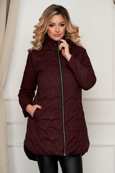 Burgundy asszimmetrikus vízlepergető dzseki kapucnis és zsebes felsőrésszel