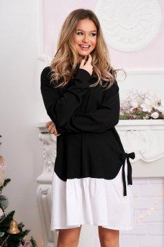 Fekete casual bő szabású rövid ruha masnikkal van ellátva