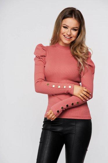 Púder rózsaszínű magas nyakú szűk szabású csíkozott anyagú, pamutból készült női blúz