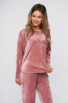 Púder rózsaszínű asszimmetrikus gumírozott derekú StarShinerS női kosztüm plüss anyagból
