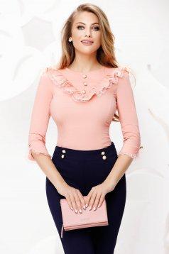 Barackvirágszínű irodai fodros gallér szűkített női ing csipke díszítéssel
