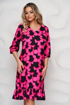 Pink bő szabású StarShinerS merevitett anyagból fodros ruha grafikai díszítéssel