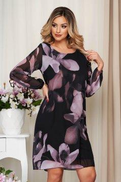 Púder rózsaszínű elegáns rövid virágmintás ruha muszlinból hosszú ujjakkal és béléssel