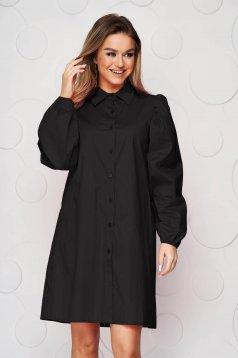 Fekete ruha bő szabású gumírozott ujjakkal vékony anyag