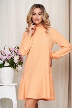 Magas nyakú bő szabású narancssárga fodros ruha