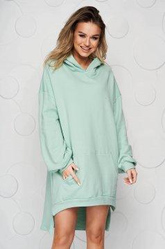 Világos zöld ruha enyhén elasztikus pamut aszimetrikus bő szabású oldalt felsliccelt