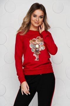 Piros pamutból készült grafikai díszítéssel női blúz flitteres díszítéssel