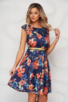 Narancssárga virágmintás harang ruha öv típusú kiegészítővel enyhén rugalmas anyagból