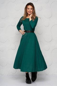 Zöld ruha midi harang háromnegyedes ujjakkal rakott, pliszírozott