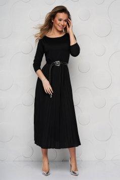 Fekete midi pliszírozott harang ruha háromnegyedes ujjakkal