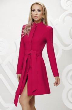 Fukszia elegáns szűkített rövid kabát övvel ellátva masni díszítéssel