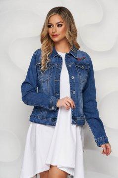 Kék hímzett szűkített zsebes dzseki farmerből