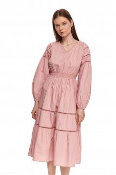 Púder rózsaszínű midi bő ujjú ruha vékony szövetből harang alakú gumirozott derékrésszel