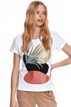 Fehér rugalmas pamut póló grafikai díszítéssel bő szabású