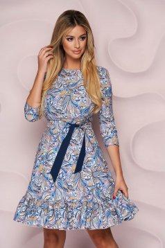 Kék StarShinerS midi harang ruha vékony anyagból fodrokkal a ruha alján
