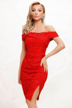 Piros alkalmi rövid ceruza ruha csipkéből