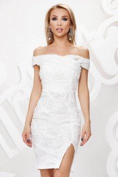 Fehér alkalmi rövid ceruza ruha csipkéből