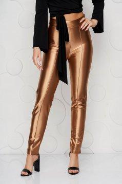 Aranyszínű StarShinerS elegáns kónikus nadrág enyhén rugalmas anyagból
