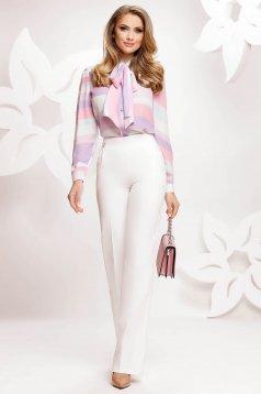 Fehér bővülő magas derekú nadrág lánccal elegáns