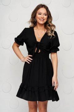 Masnival megköthető fekete rövid fodros ruha harang alakú gumirozott derékrésszel