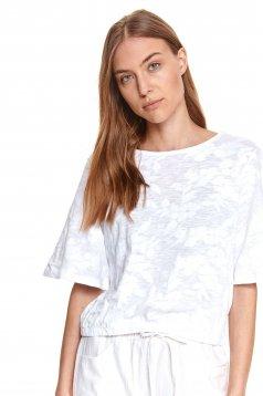 Fehér bő szabású virágmintás női blúz enyhén elasztikus pamutból