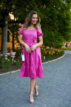 Pink bő ujjú midi harang ruha övvel ellátva