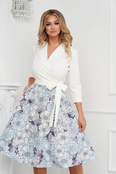 Elegáns midi StarShinerS harang ruha könnyed virágmintás anyagból