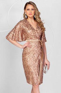 Alkalmi a-vonalú flitteres aranyszínű ruha pillangó típusú ujjakkal