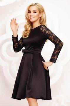 Fekete rövid alkalmi harang ruha átlátszó ujj