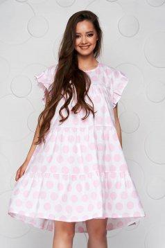 Világos rózsaszínű bő szabású fodros rövid pöttyös ruha vékony szövetből