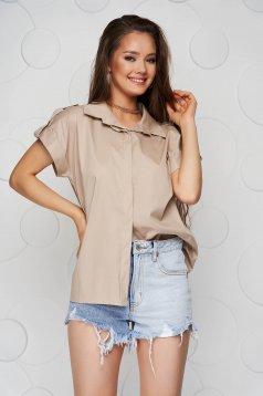 Krémszínű női ing basic bő szabású rövid ujjakkal