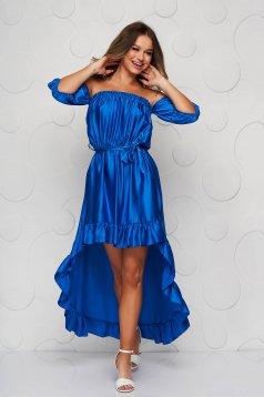 Kék ejtett vállú aszimetrikus fodros ruha szaténból harang alakú gumirozott derékrésszel